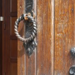 Détail de la porte de l'église
