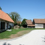 Ferme aux Hautes Fontaines (grange en torchis)
